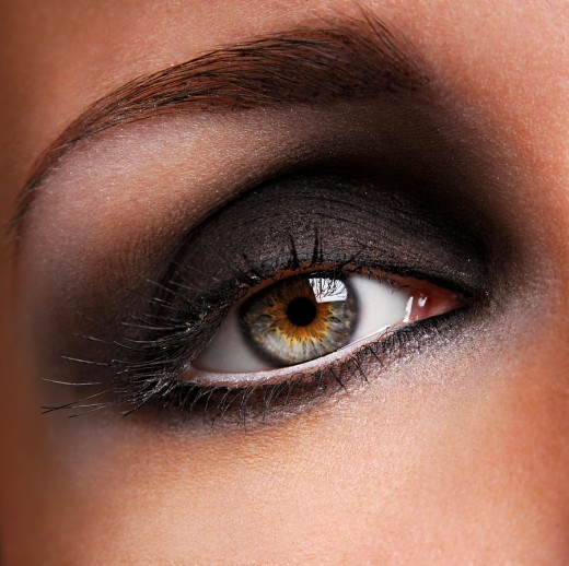 Dark-Smokey-Eye-Makeup-520x518